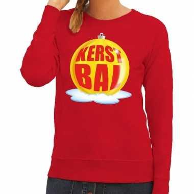 Foute kersttrui kerstbal geel op rode sweater voor dames